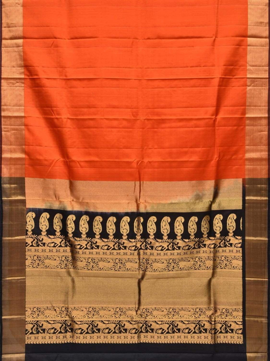 Orange and Black Gadwal Silk Handloom Saree with Mango Pallu Design g0249