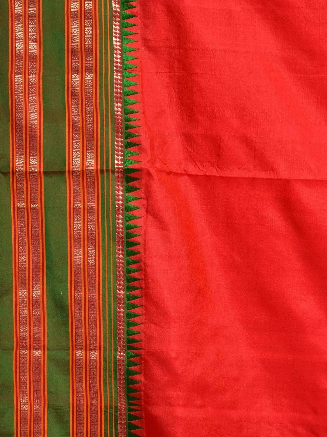 Red and Green Narayanpet Silk Handloom Plain Saree with Contrast Pallu Design No Blouse np0237
