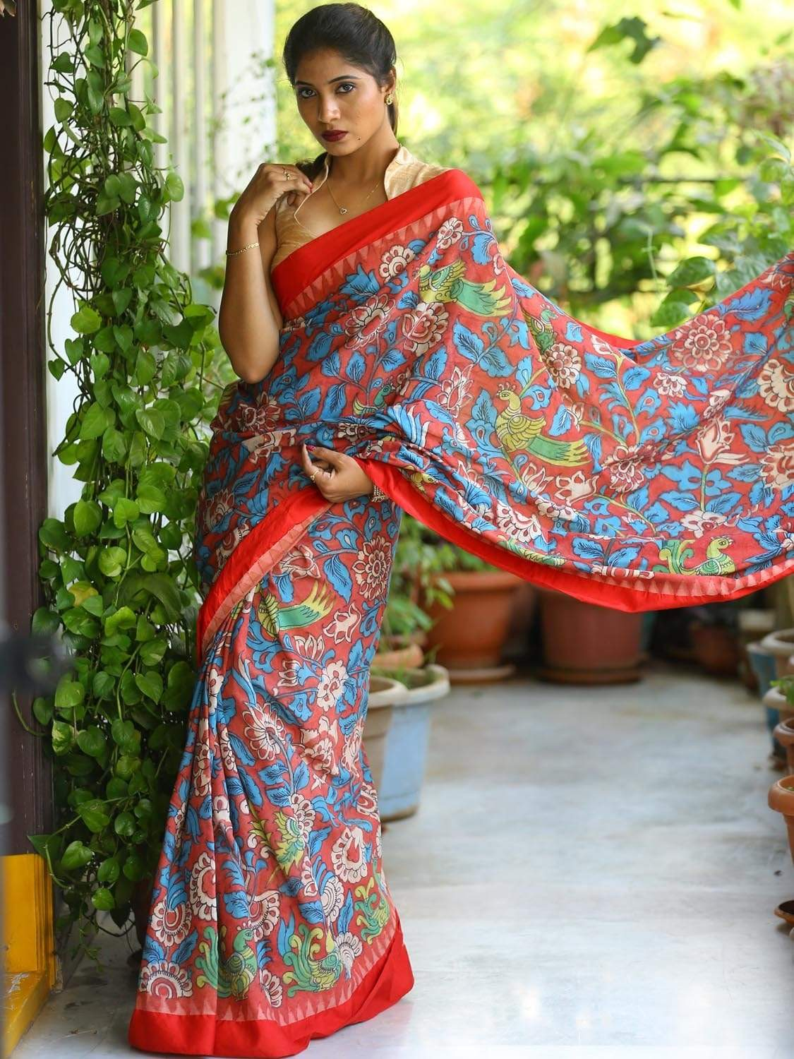 Red Kalamkari Hand Painted Cotton Handloom Saree with All Over Floral and Peacock Design kl0140