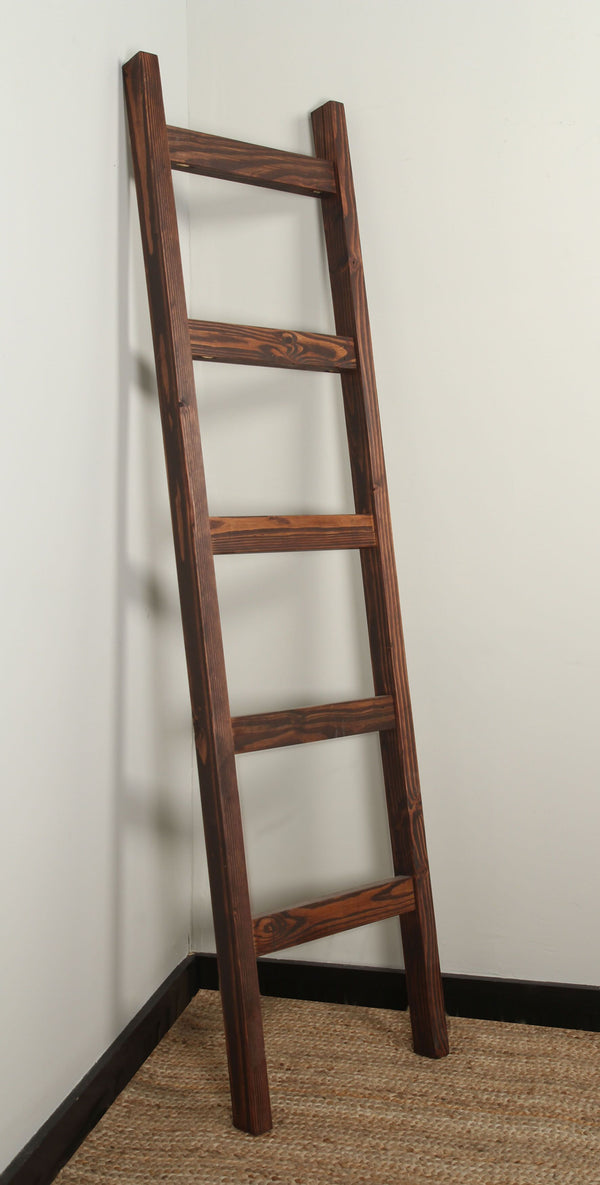 Carrington Chuncky Blanket Ladder 17.5'' x 72''