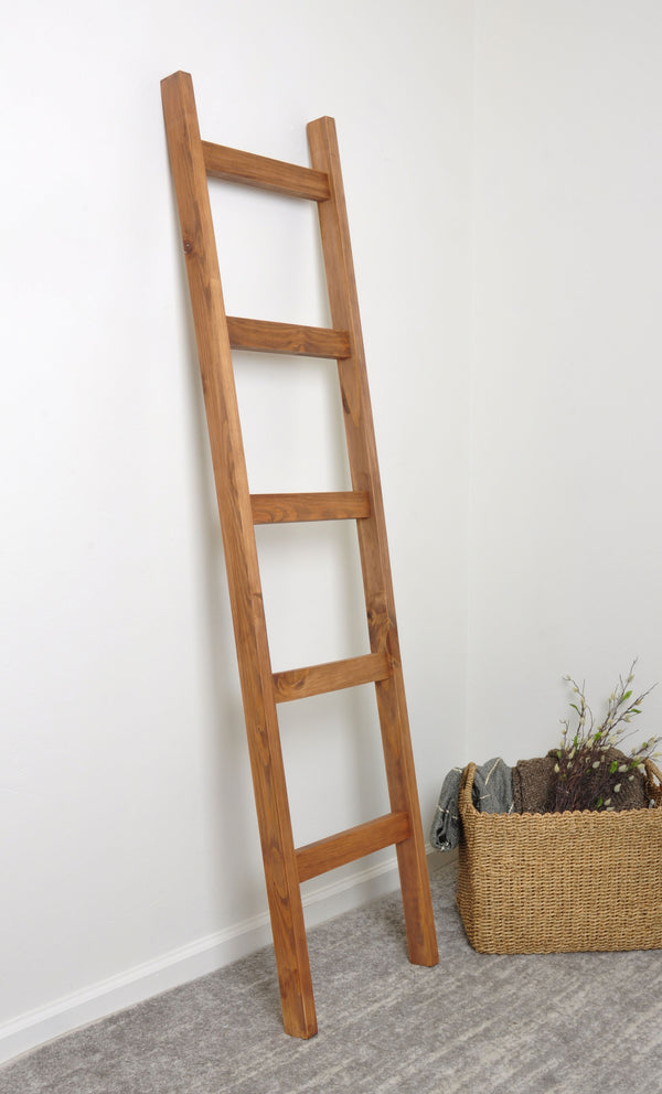 "Light Brown Chunky Blanket Ladder 17.5"" x 72"""