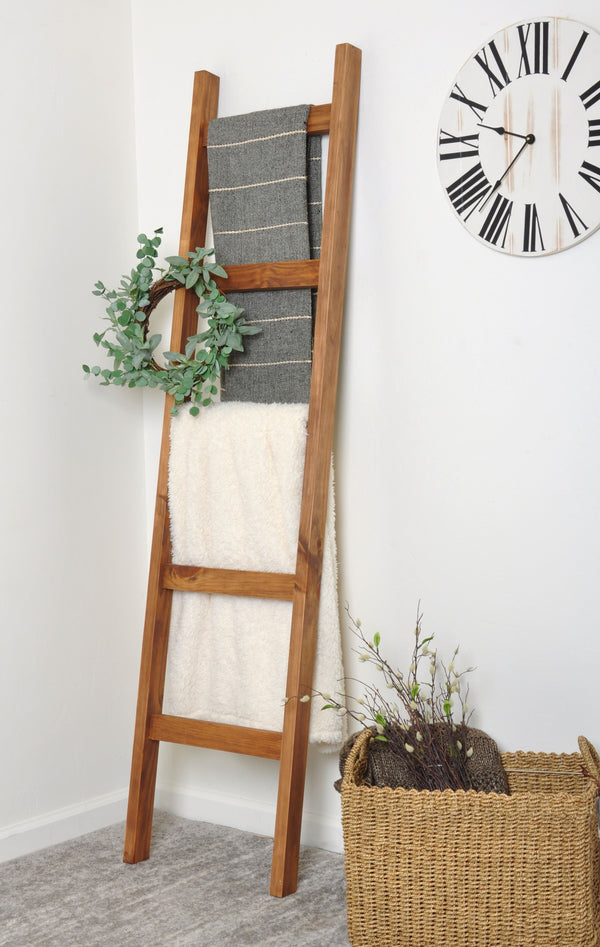 Almond 6ft Blanket Ladder & Faux Wreath Set