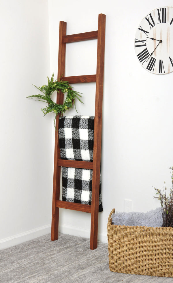 Dark Wood 6ft Blanket Ladder & Faux Wreath Set