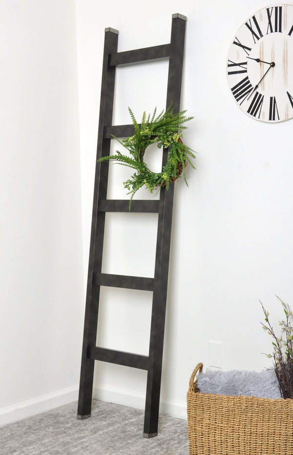 Gunmetal Black 6ft Blanket Ladder & Faux Wreath Set