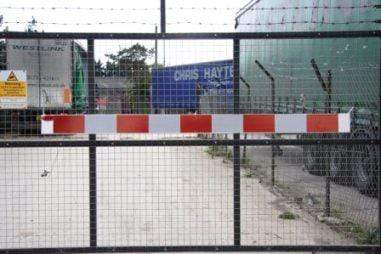 Thin Barrier Boards for Mesh Fencing