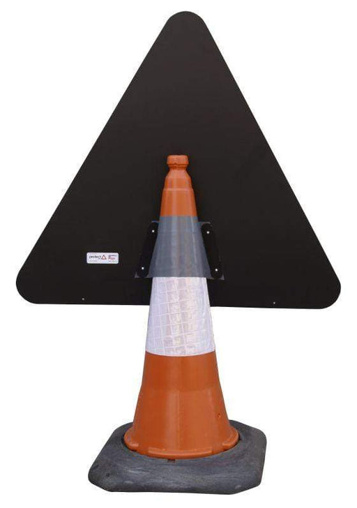 Triangle Cone Sign - Loose Chippings on Road Ahead - 7009 (4298894540834)