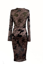 Load image into Gallery viewer, GLITTER DETAIL MIDI DRESS
