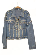 Load image into Gallery viewer, PEARL DETAIL DENIM JACKET