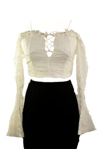 LACE COOL SHOULDER CROP TOP