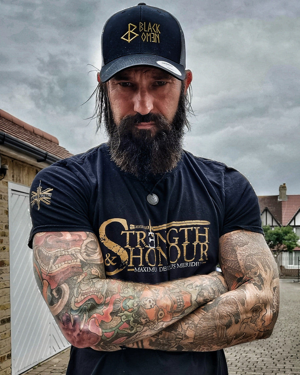 STRENGTH & HONOUR   ( Unisex Shirt )