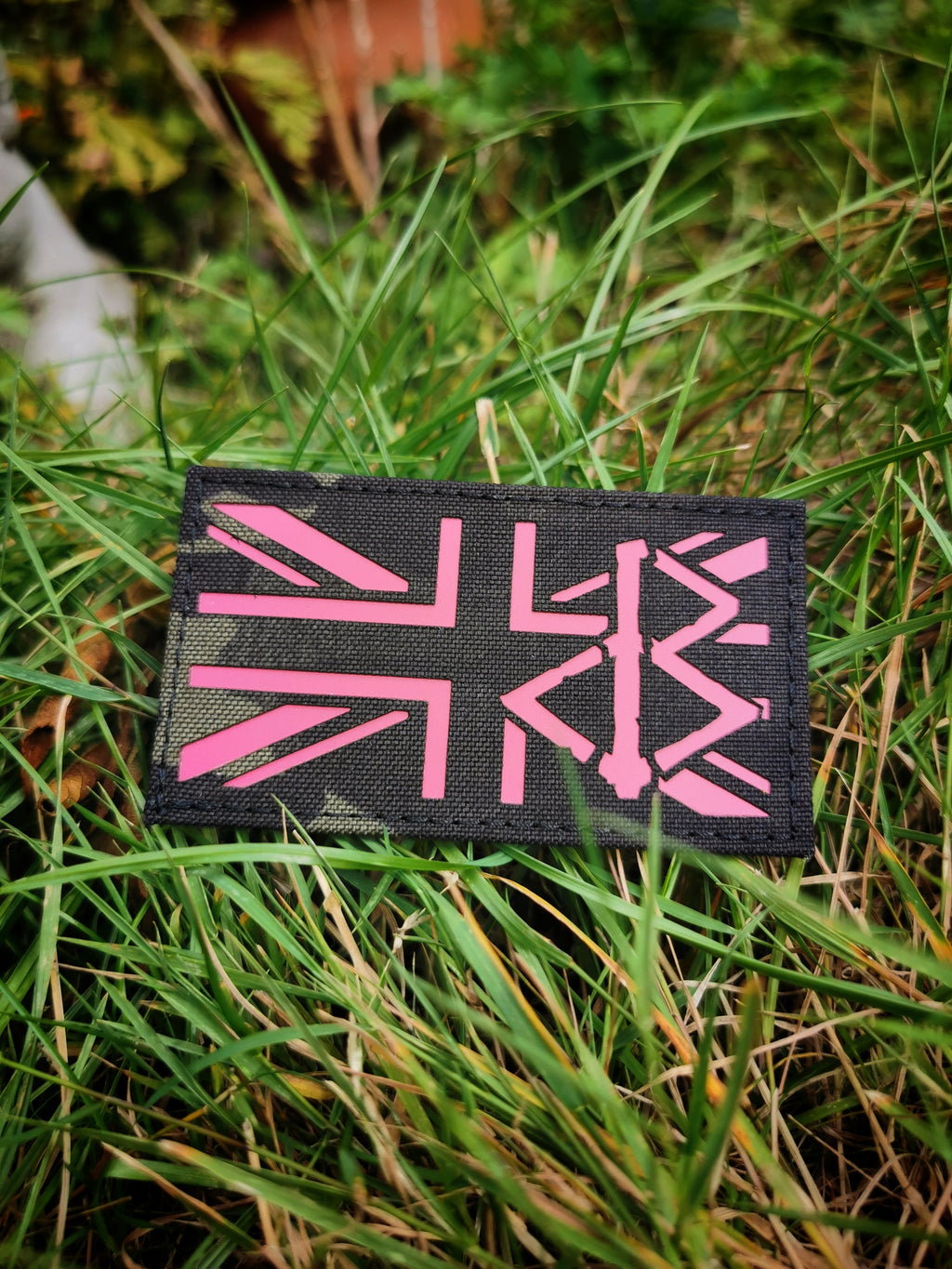 BLACK OMƎN UNION JACK PATCH / MULTICAM BLACK / PINK