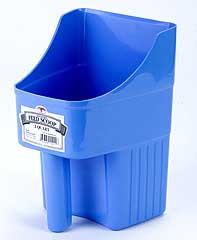 LITTLE GIANT ENCLOSED FEED SCOOP BERRY BLUE 3QT