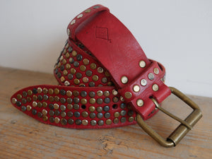 Red 5 Stud Belt