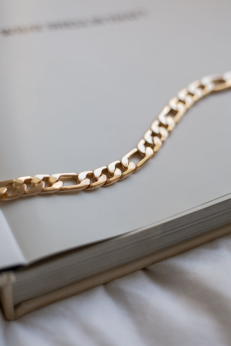 KAIA GOLD CHAIN NECKLACE
