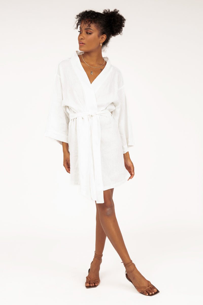 MODA WHITE LOUNGE SHORT ROBE