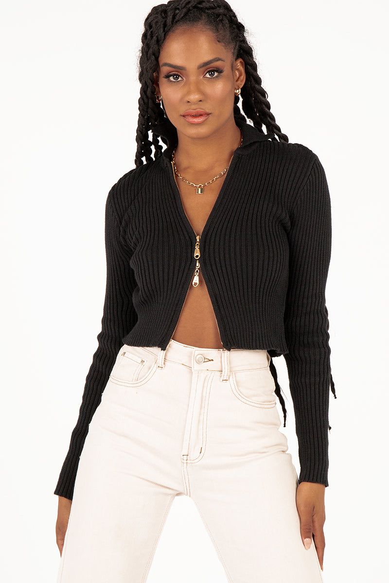 ESSENTIAL BLACK ZIP FRONT KNIT