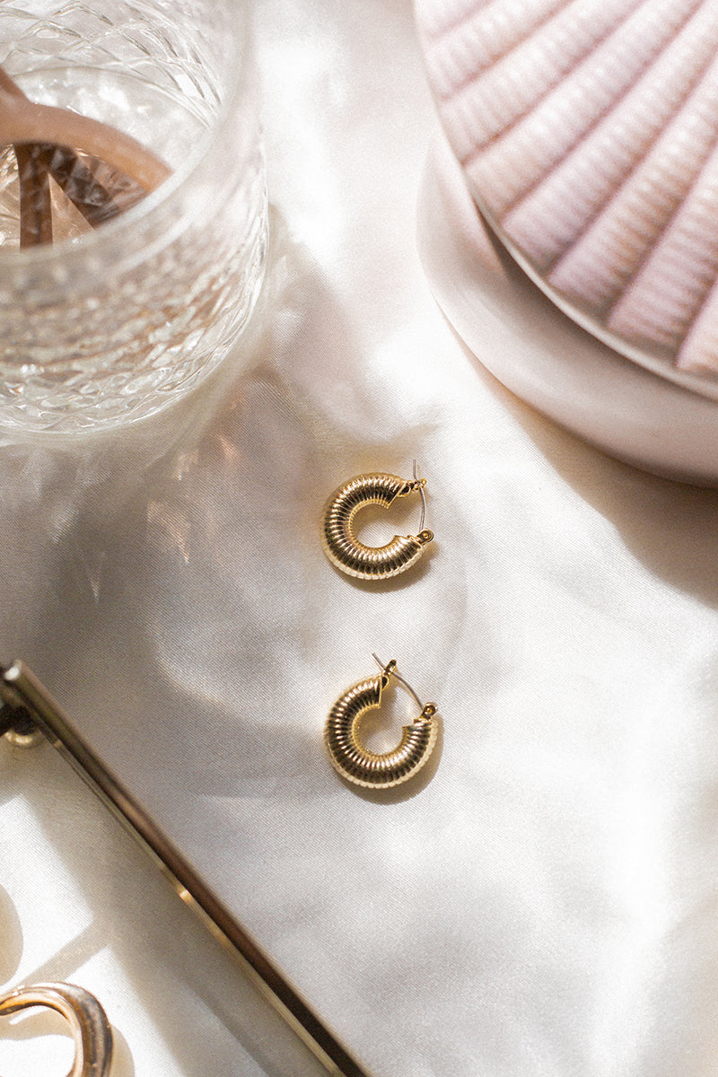 SONJA GOLD SPIRAL HOOP EARRINGS