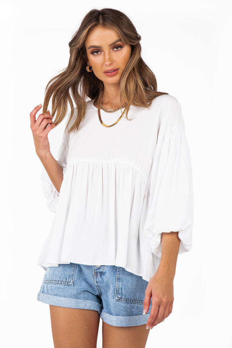 MADISON THE LABEL ZURI WHITE TOP