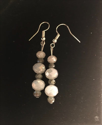 S20 Grey and White Earring