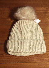 Load image into Gallery viewer, Pearl Knitted Beanie