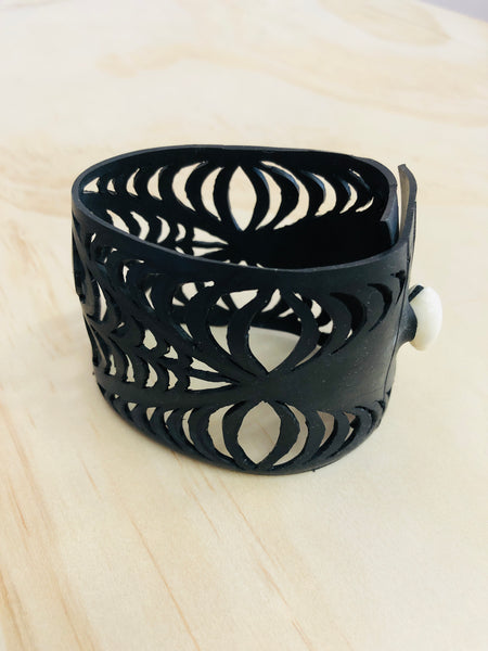 TAVAKE Limited edition Cuff - Handcrafted & recycled jewellery by Helena Kaho