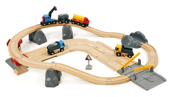 BRIO Rail & Road Loading Set
