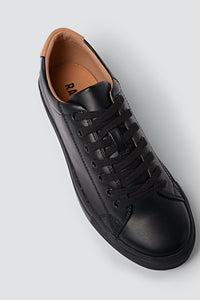 R-KIND Trainer Mercury Black
