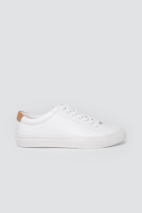 R-Kind Trainer Moon White
