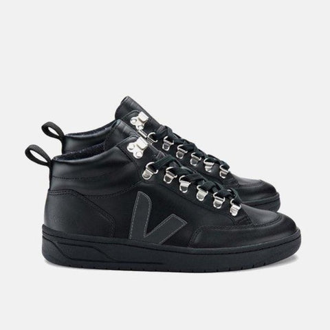VEJA RORAIMA LEATHER BLACK