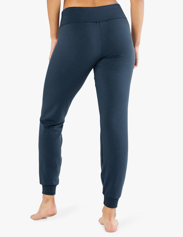 Cozy Fleece™ Lounge Around Midi Jogger