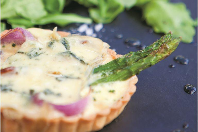 Asparagus, red onion & blue cheese tart - WineStuff.net - WineStuff.net - -