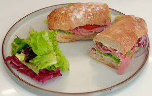 Roast Beef Sandwich - WineStuff.net - WineStuff.net - -
