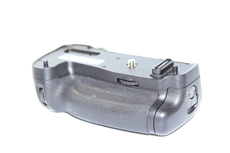 Newell MB-D16 Battery Grip