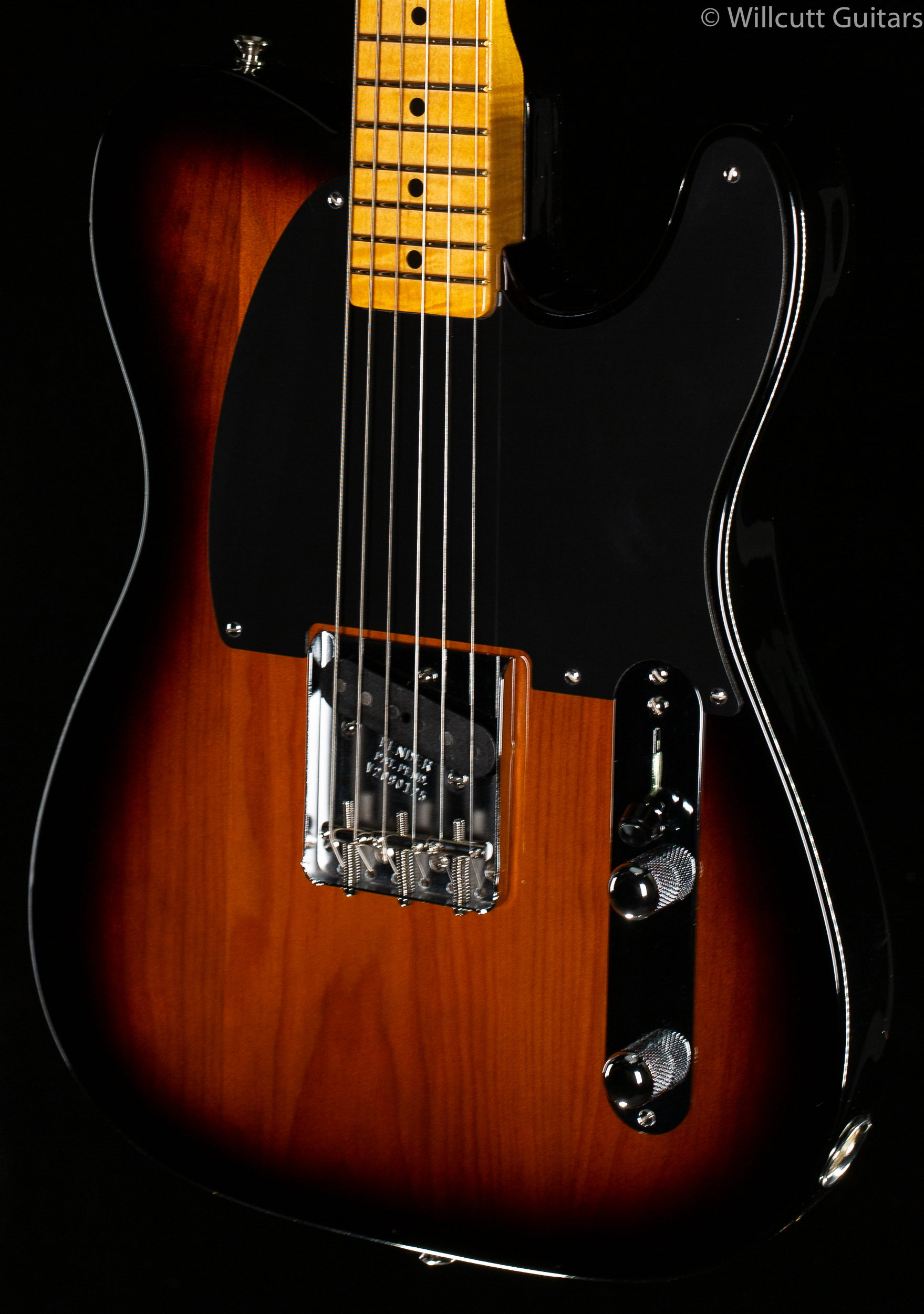 Fender 70th Anniversary Esquire 2-Color Sunburst Maple Fingerboard