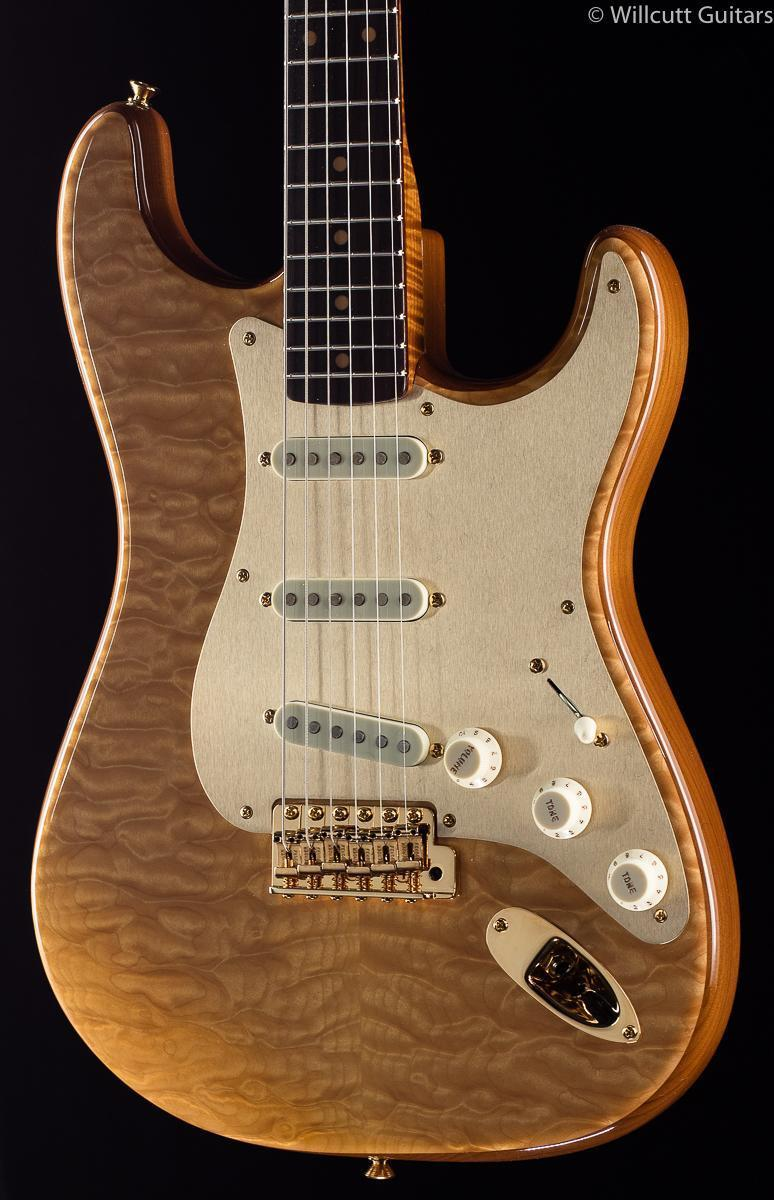 fender-custom-shop-50th-anniversary-willcutt-artisan-strat-quilt-maple-139