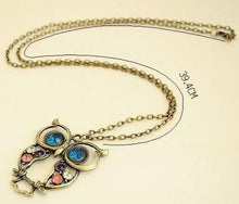 Load image into Gallery viewer, Alloy Carved Owl Necklace