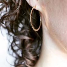 Load image into Gallery viewer, 14K Hammered Hoop Earrings