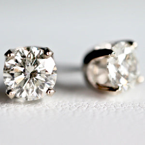 0.63 Ct diamond stud earrings J colour
