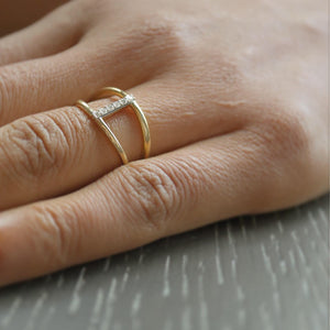 Bypass Pave Bar Ring