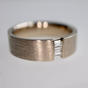 Baguette Ring in Natural White gold