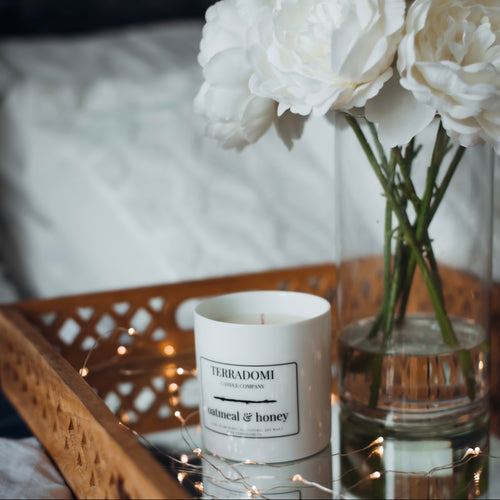 Oatmeal and Honey scented soy candle