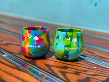 Load image into Gallery viewer, HHI Tie Dye Flexible Wine Glasses