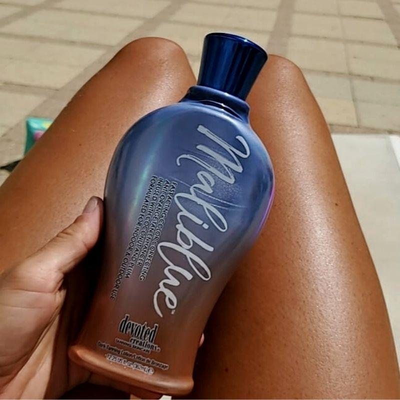 malblue_tanning_lotion_devoted_creations_krema_mayrismatos_bodyshine