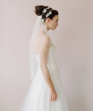 Load image into Gallery viewer, Pearl speckled elbow length veil