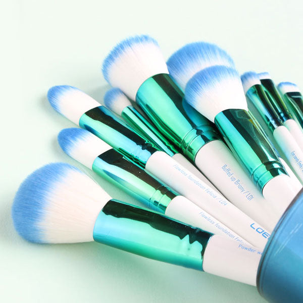WHY AND HOW OFTEN SHOULD I WASH MY BRUSHES