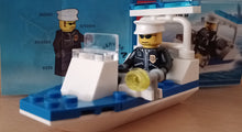 Laden Sie das Bild in den Galerie-Viewer, Lego City Polizei Boot 30002