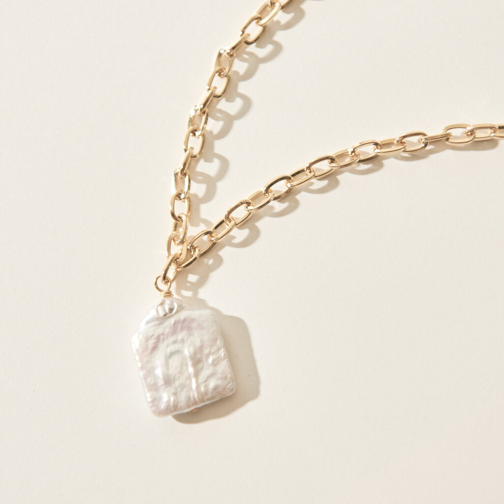 Small Oval Chain Necklace with Square Pearl