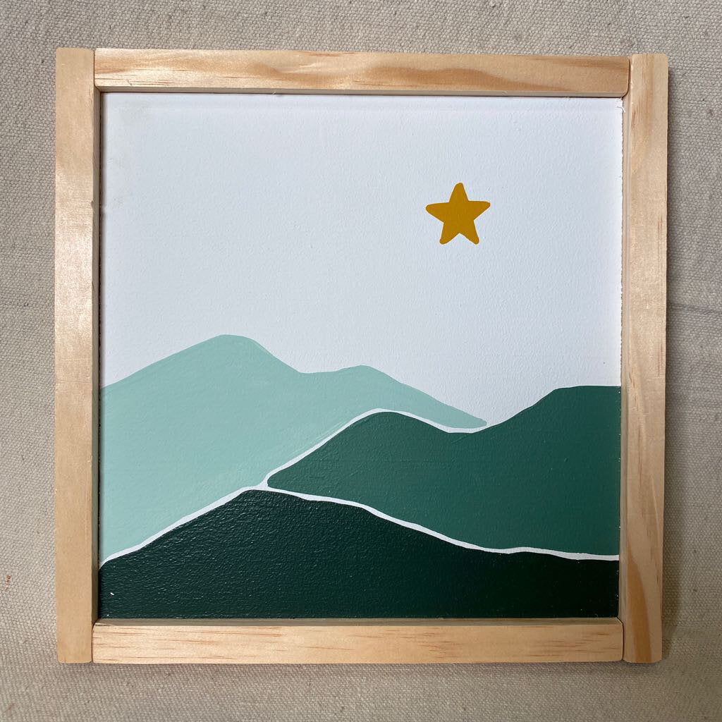 Green Mountain Star Sign 9x9
