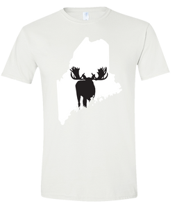 Short Sleeve T-Shirt Maine White Moose Vibrant Design High Quality Tight Knit Ring Spun Low Maintenance Cotton Printed With The Newest Available Color Transfer Technology