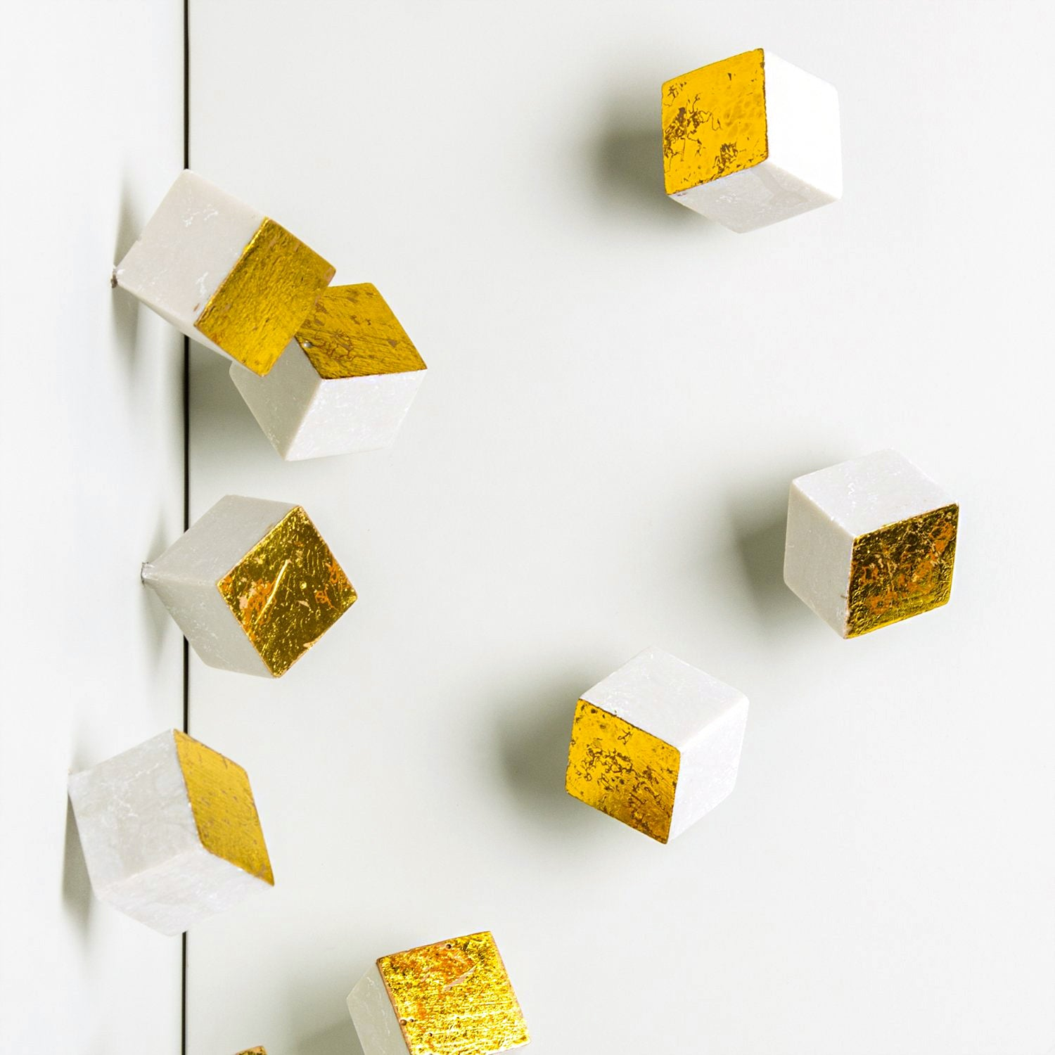 Wall Play™: Pivot, Gold